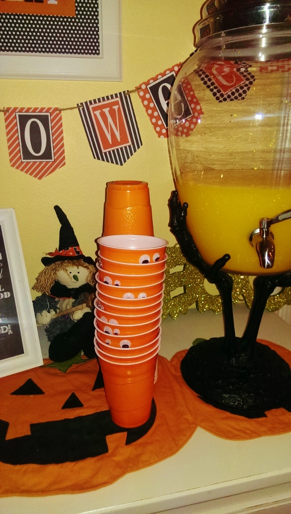Halloween Decor & Food Ideas | missfrugalfancypants.com