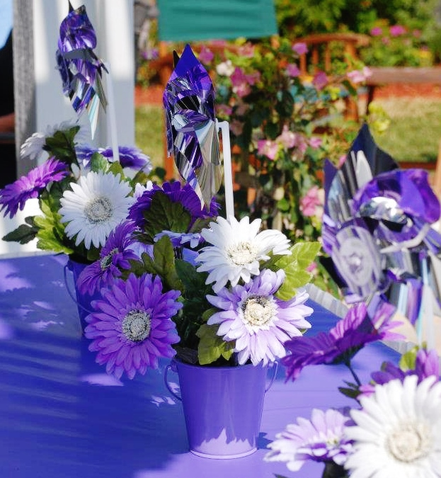 Purple Polka Dot Carnival Birthday Party Decor & Centerpieces| missfrugalfancypants.com