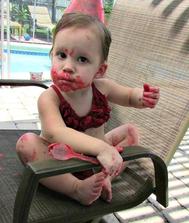 Riley Elmo Cake Face | missfrugalfancypants.com