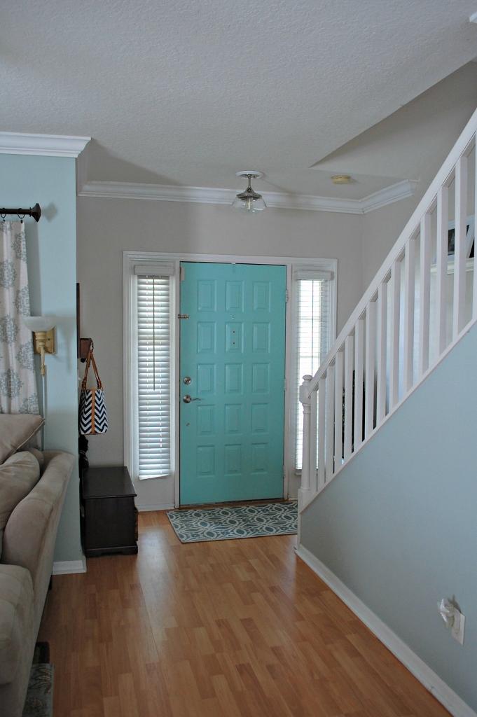 Aqua Front Door Refresh | missfrugalfancypants.com