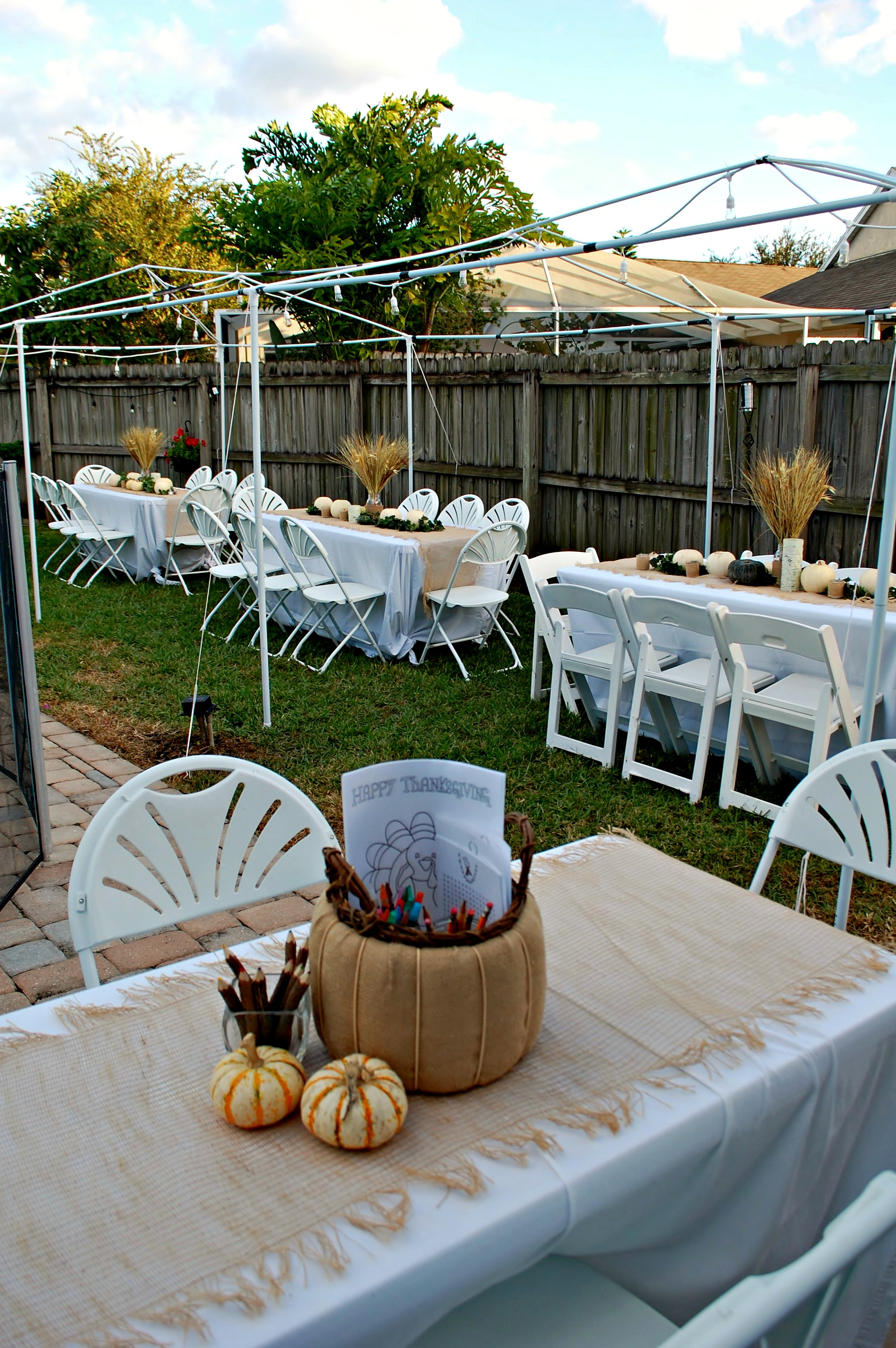 Pros and Cons of Hosting a Large Thanksgiving Feast   missfrugalfancypants.com