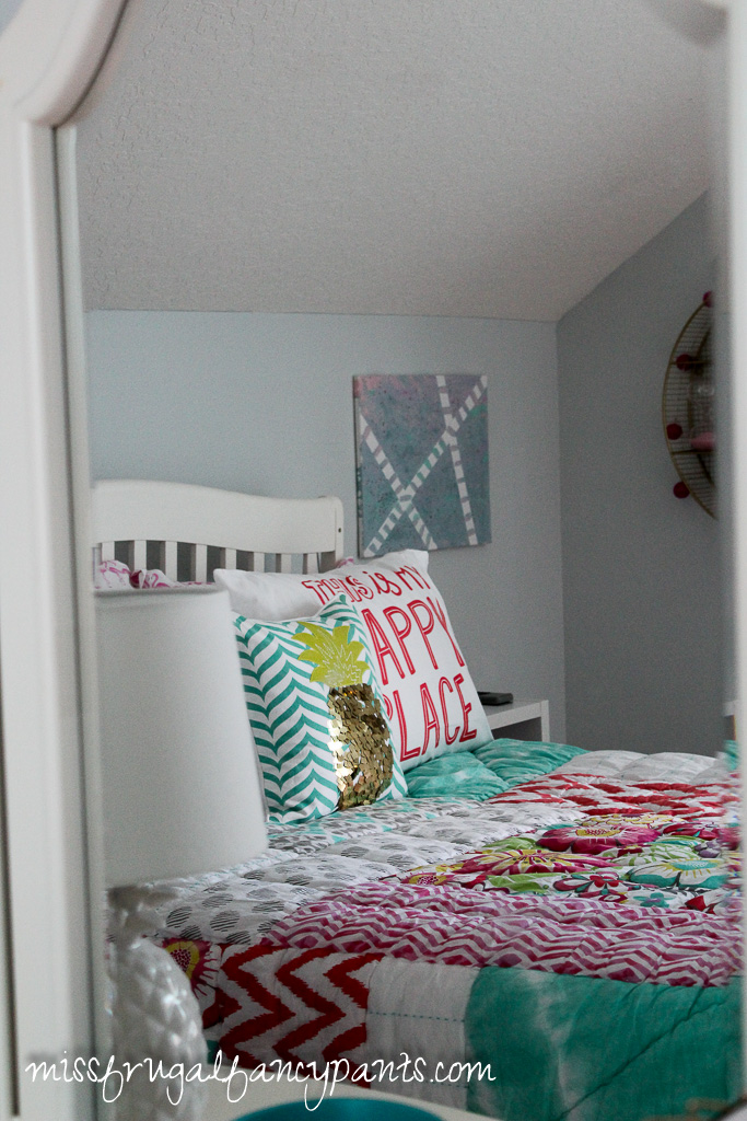 Tween Room Makeover | missfrugalfancypants.com