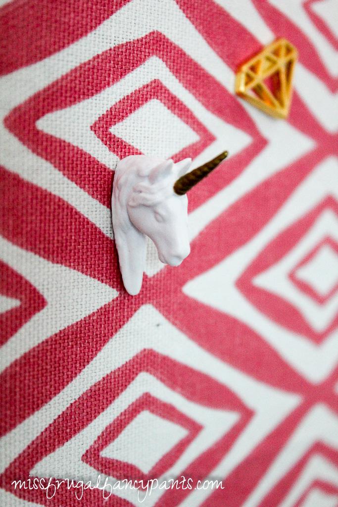 Tween Room Makeover - DIY Corkboard | missfrugalfancypants.com