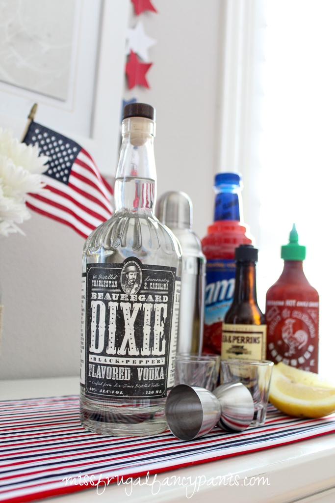 4th of July Crab Boil with Dixie Southern Black Pepper Vodka | Crawfish Shooters & Bloody Mary | missfrugalfancypants.com